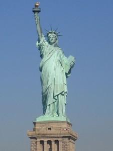 512px-Statue-de-la-liberte-new-york