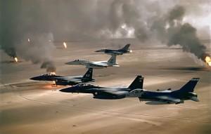 512px-USAF_F-16A_F-15C_F-15E_Desert_Storm_edit2