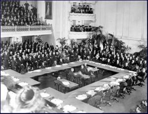 Treaty_of_Versailles_oldphoto